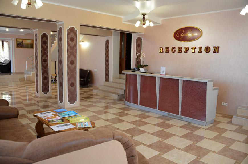 Отель «Аркадия» предлагает помощь в организации экскурсий по Крыму из Заозерного