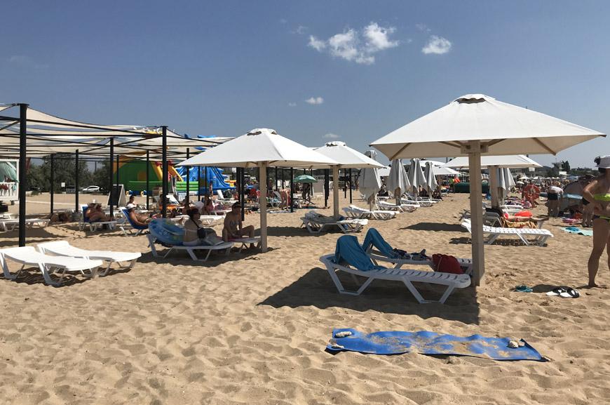 Пляжи для отдыха в Евпатории в Заозерном с детьми фото